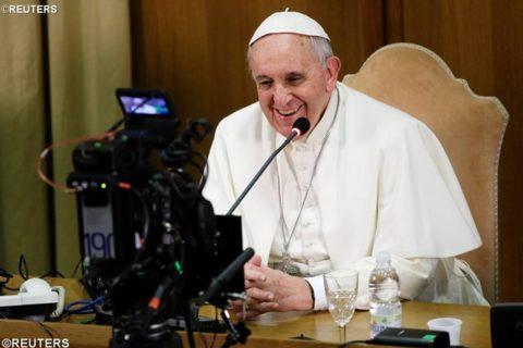 Papa Francesco: L'occhiale del Vangelo per decifrare la realtà
